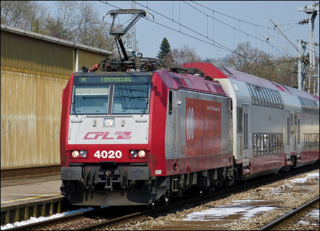 . 4020 is arriving with bilevel cars in Ettelbrück on March 25th, 2013.