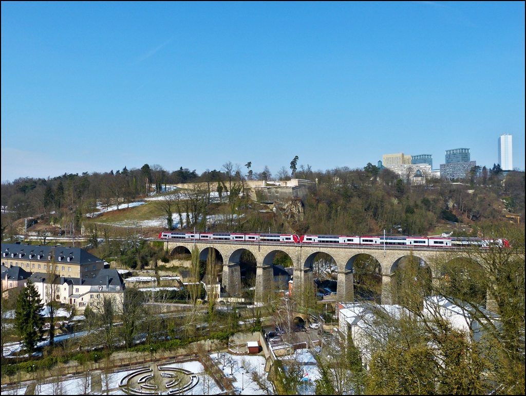 . A Série 2200 double unit is running on the viaduct of Pfaffental in Luxembourg City on March 13th, 2013.