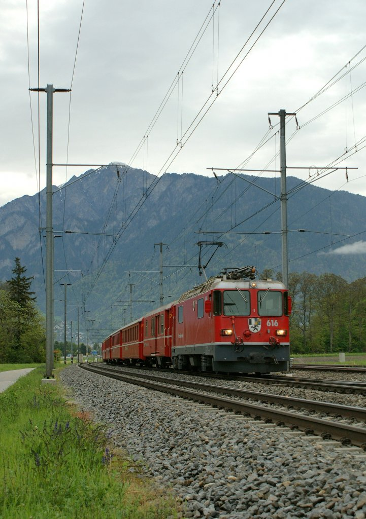 ... and on the same place a RhB train to Disentis just a few time before.