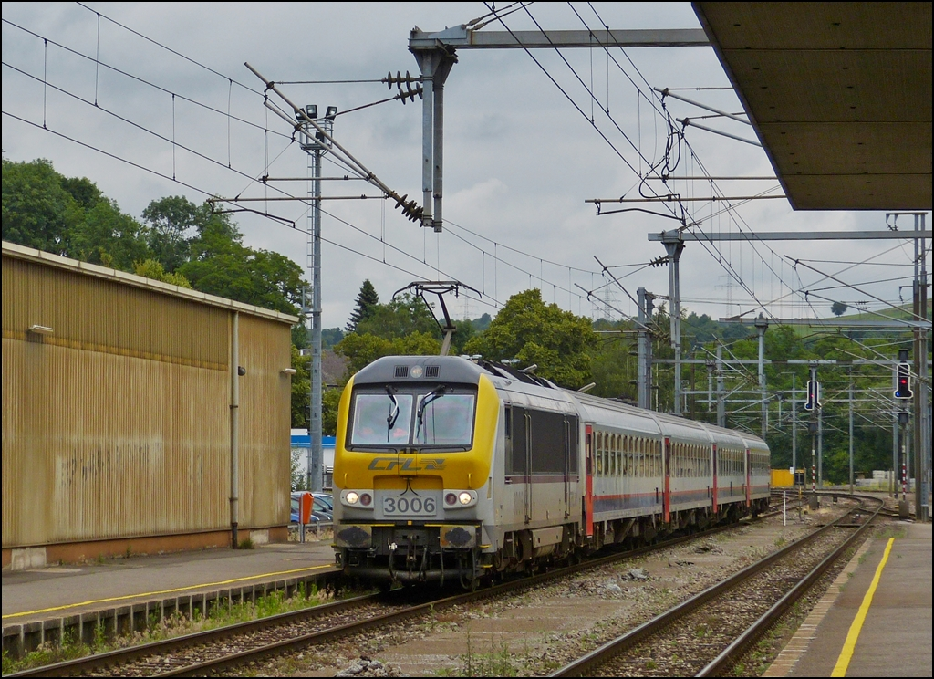 . The IR 115 is entering into the station of Ettelbrück on July 5th, 2013.