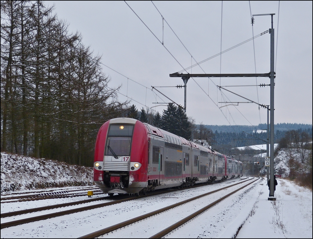 . The IR 3714 Luxembourg City - Troisvierges is arriving in Wilwerwiltz on January 18th, 2013.