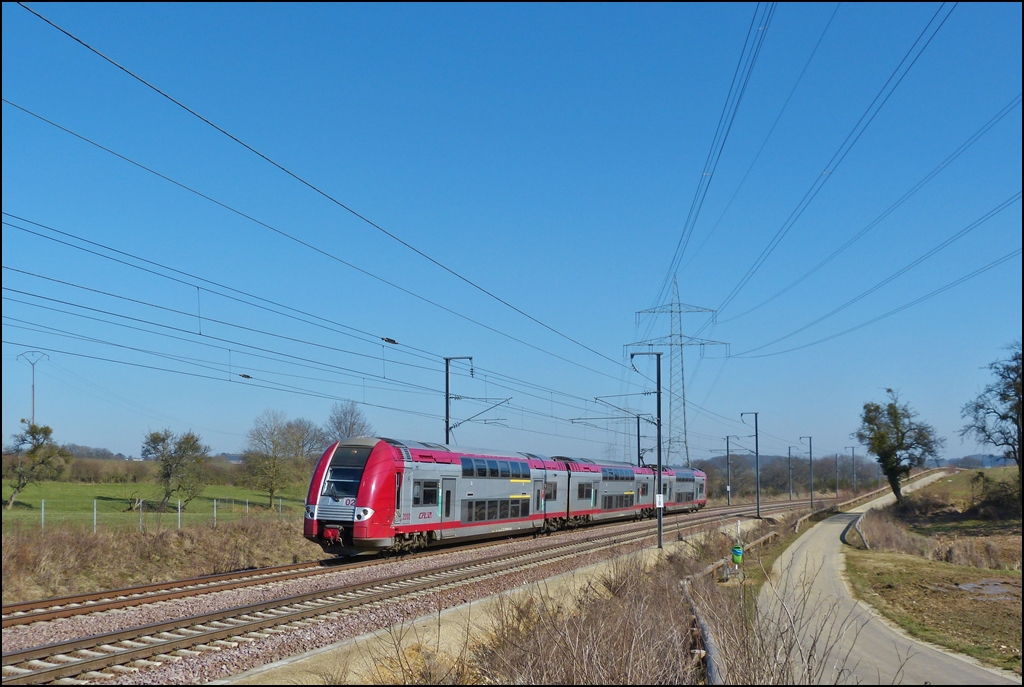 . Z 2202 as RB 5062 Luxembourg City - Longwy (F) is running between Dippach and Schouweiler on March 4th, 2013.