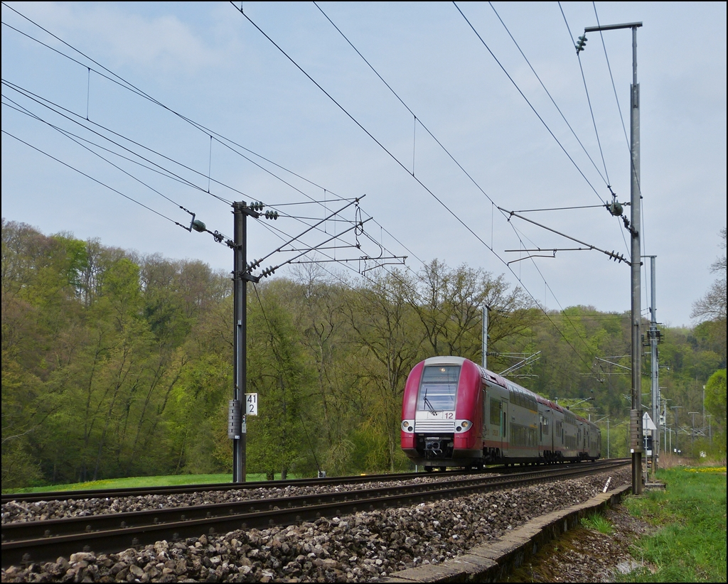 . Z 2212 is running between Colmar-Berg and Cruchten on May 3rd, 2013.