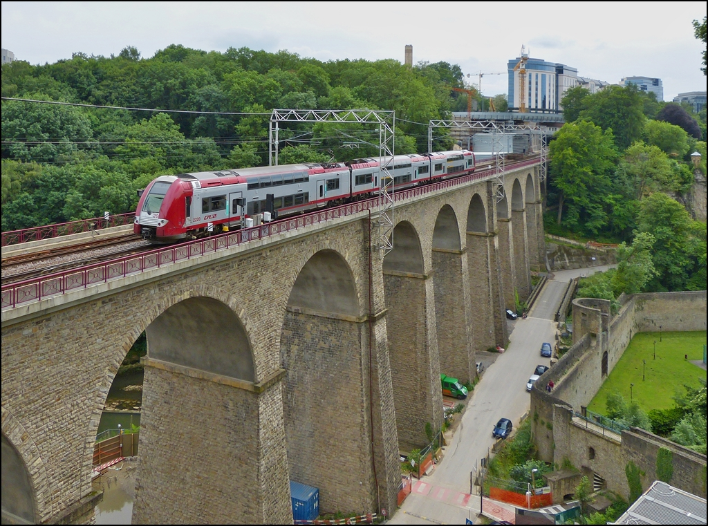 . Z 2220 is running over the Pulvermühle viaduct in Luxembourg City on June 14th, 2013.