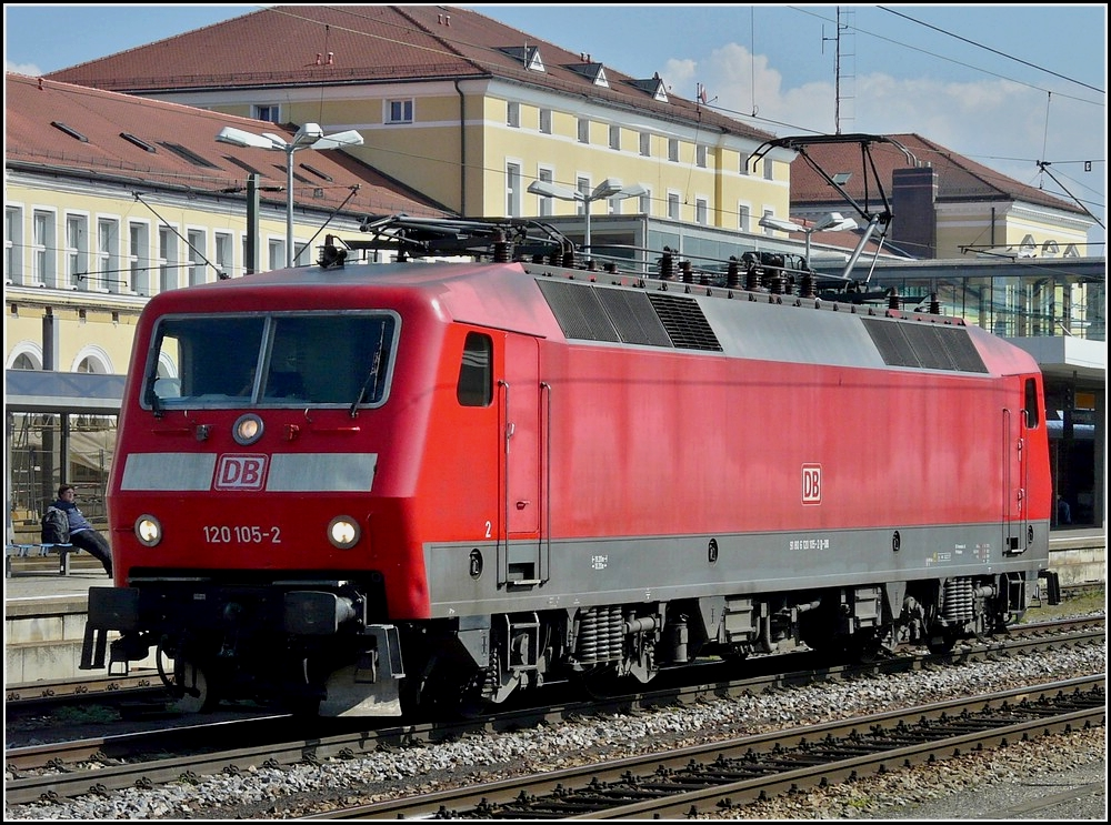 120 105-2 is running alone through the station of Regensburg on September 11th, 2010.