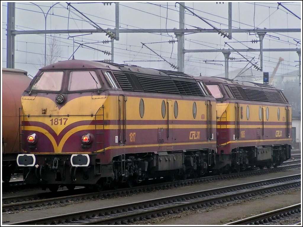 1817 and 1805 pictured in Pétange on December 16th, 2004.