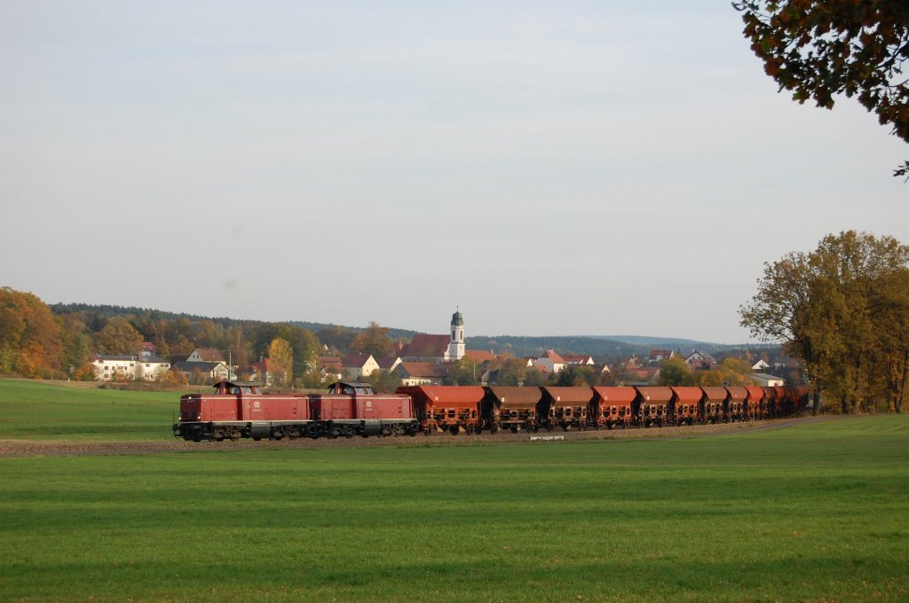 212 047 and 212 370 with freight-train near Ursulapoppenricht on 19.10.2008