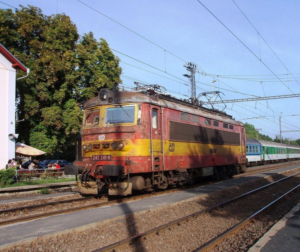 242 241 on the 4th of September, 2011 on the Railway station Klá¨terec.