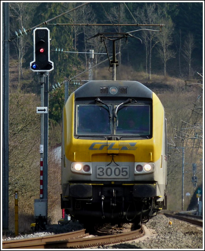 3005 is heading the IR 116 Luxembourg City - Liers in Wilwerwiltz on March 27th, 2012.