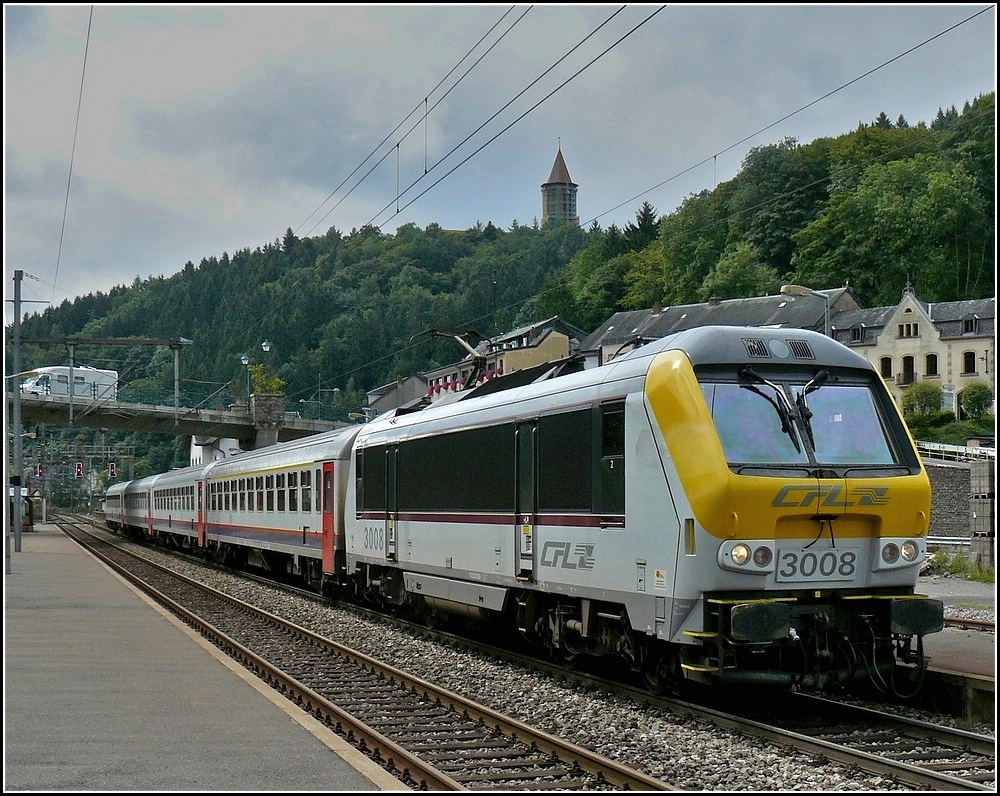 3008 with SNCB I 10 wagons photographed in Clervaux on August 29th, 2010.