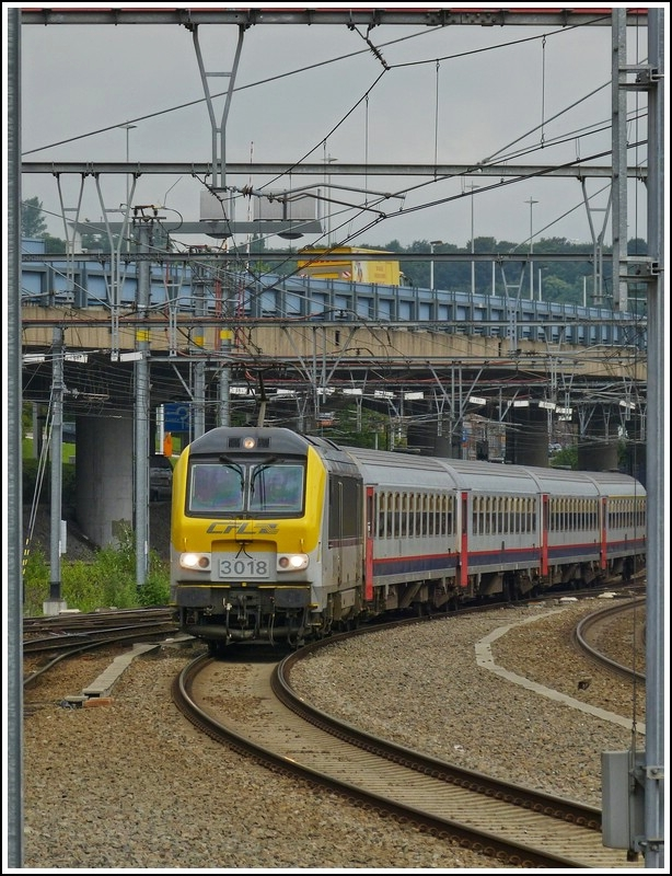 3018 is arriving in Liège Guillemins on June 25th, 2012.
