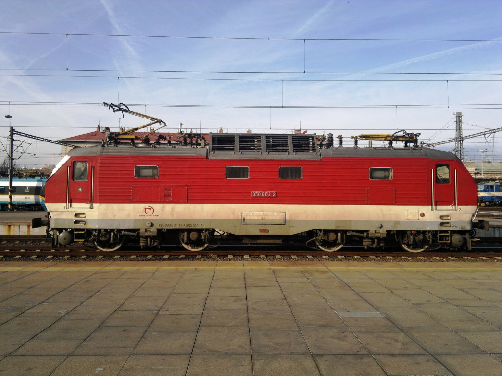 350 002 (nickname: Gorilla)on the 26th of November, 2011 on the Railway station Praha Central Station.