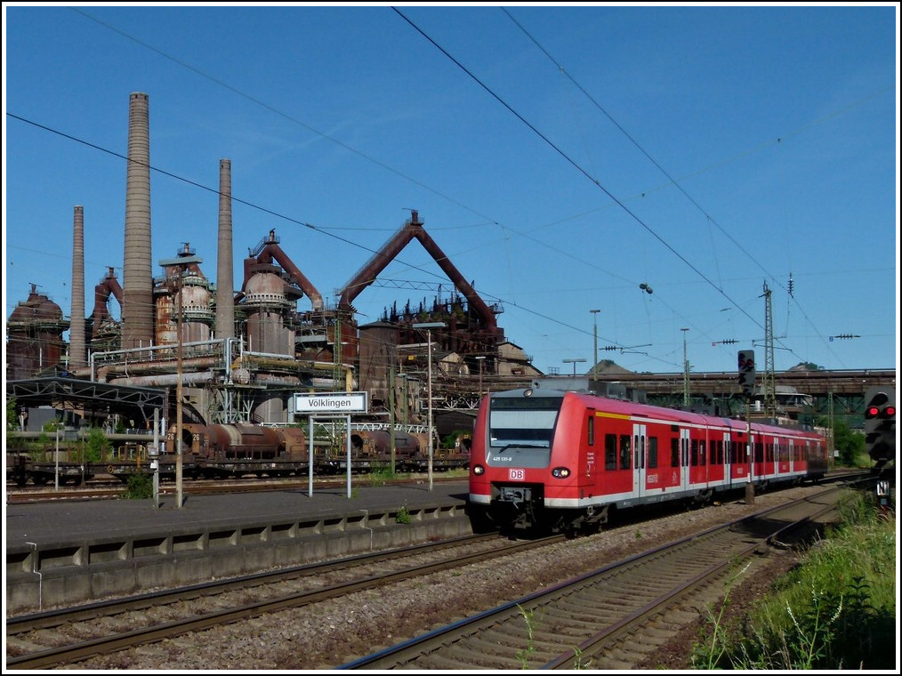 425 131-0 is entering into the station of Völklingen on May 29th, 2011.
