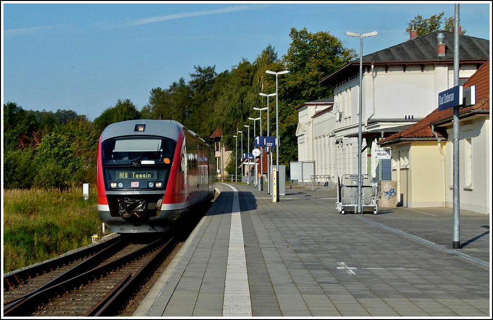 642 054 as RE 8 to Tessin is arriving in Bad Doberan on September 25th, 2011.