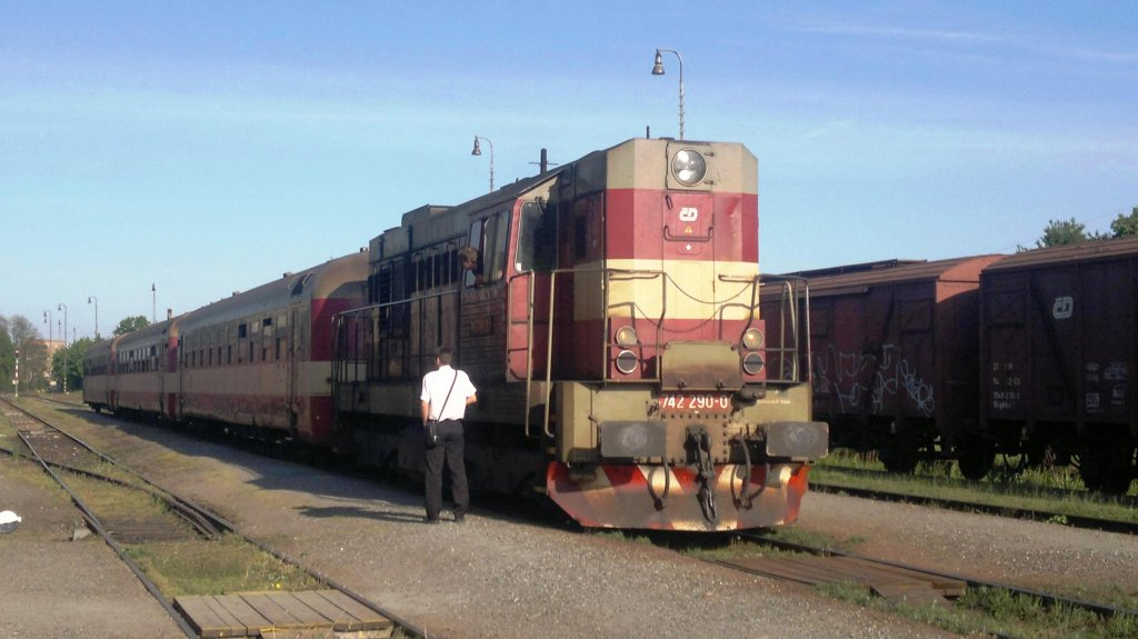 742 290 on the 8th of May, 2012 on the Railway station Zlonice.