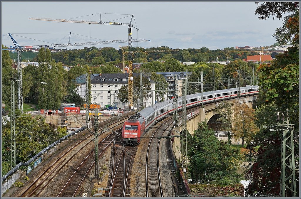 A DB E 101 with an IC between Bad Cannstadt and Stuttgart Main Station.