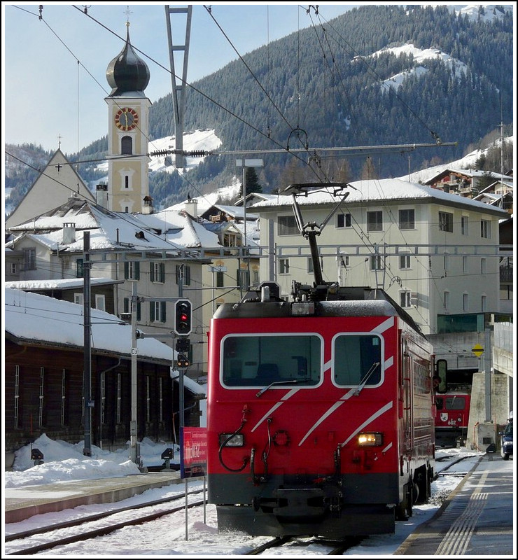 A MBG HGe 4/4 is going to take over the Glacier Express in Disentis-Mustér on December 26th, 2009.