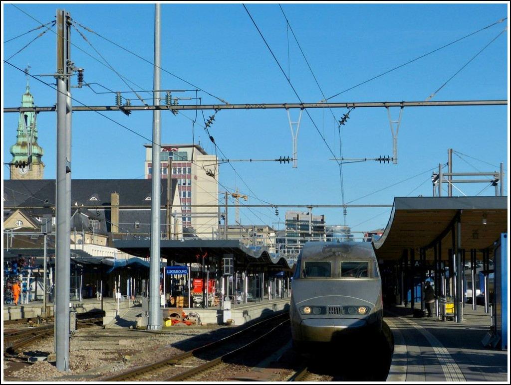 A TGV Atlantique/Réseau unit is waiting for passengers in Luxembourg City on January 16th, 2012.