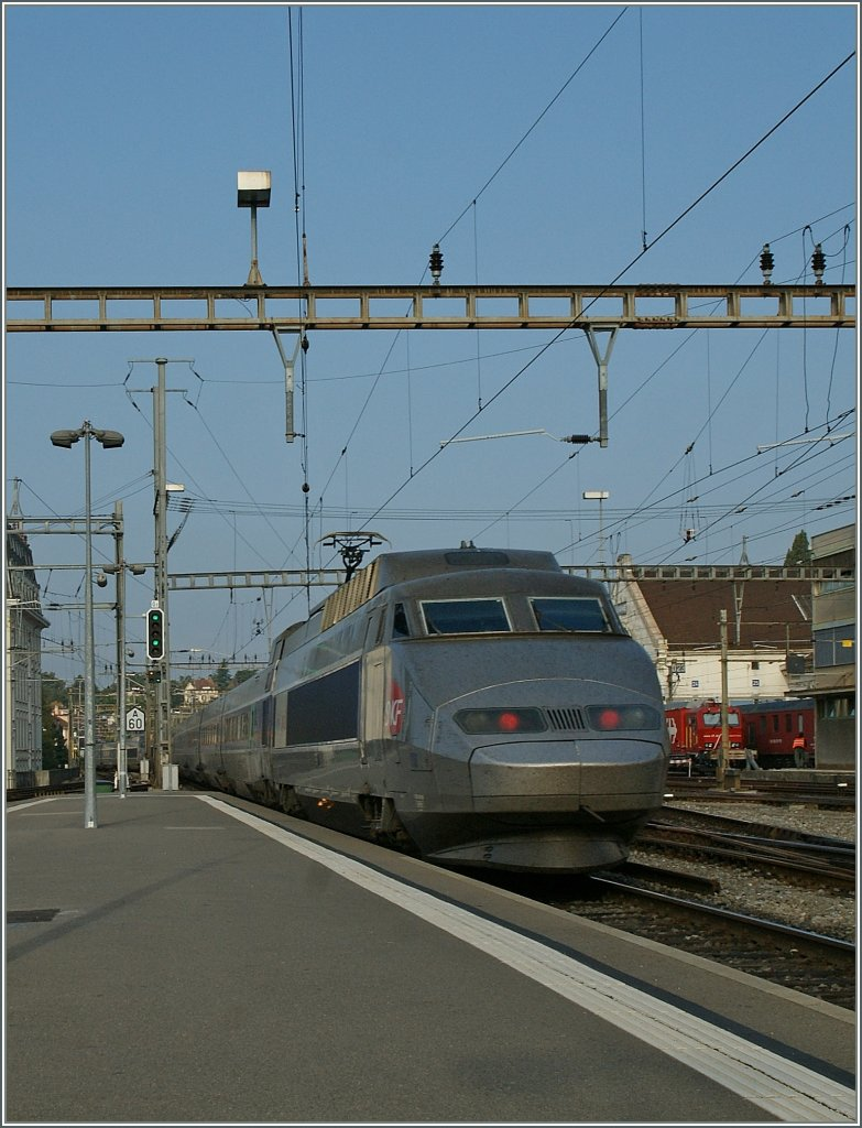 a tgv lyria service is leaving lausanne to paris gare de lyon rail. Black Bedroom Furniture Sets. Home Design Ideas