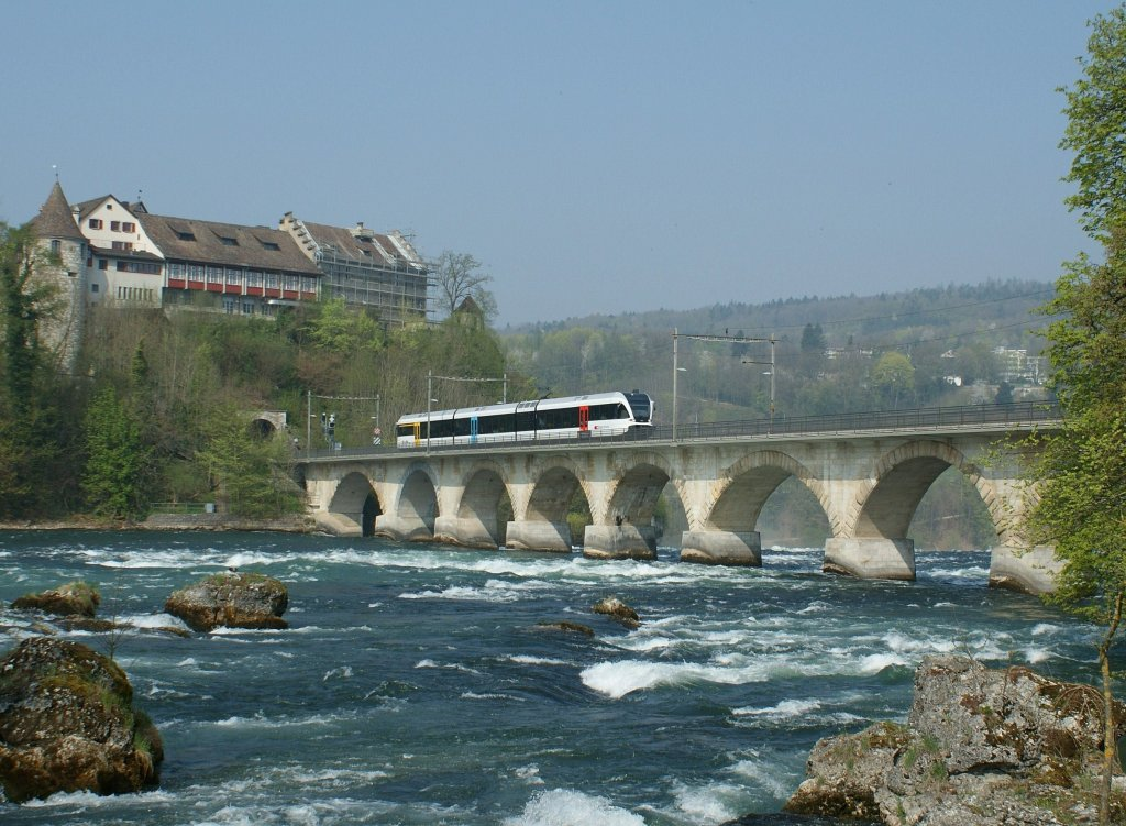 http://www.rail-pictures.com/1024/a-thurbo-local-service-train-2895.jpg