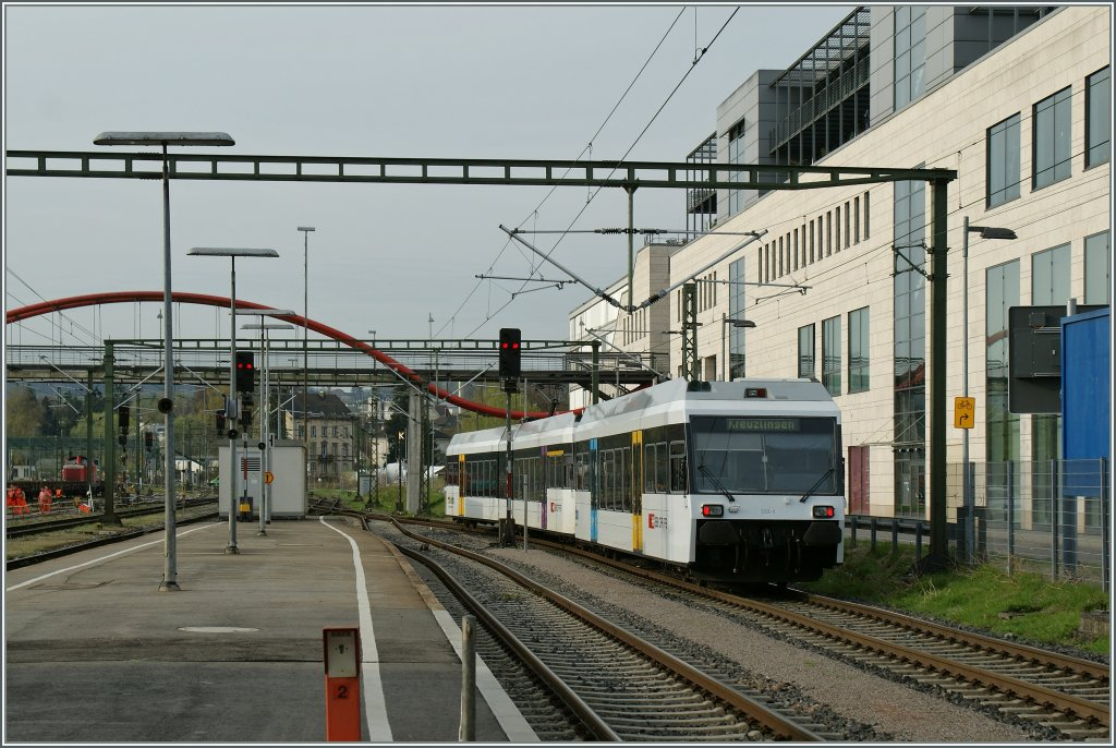 A Thurbo local train is leaving Kostanz to go to Kreuzlingen.