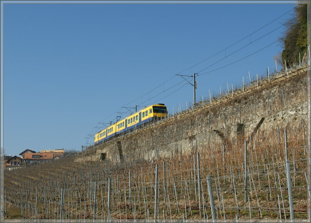 Between the Heaven and the Earth: Trains des Vignes.
