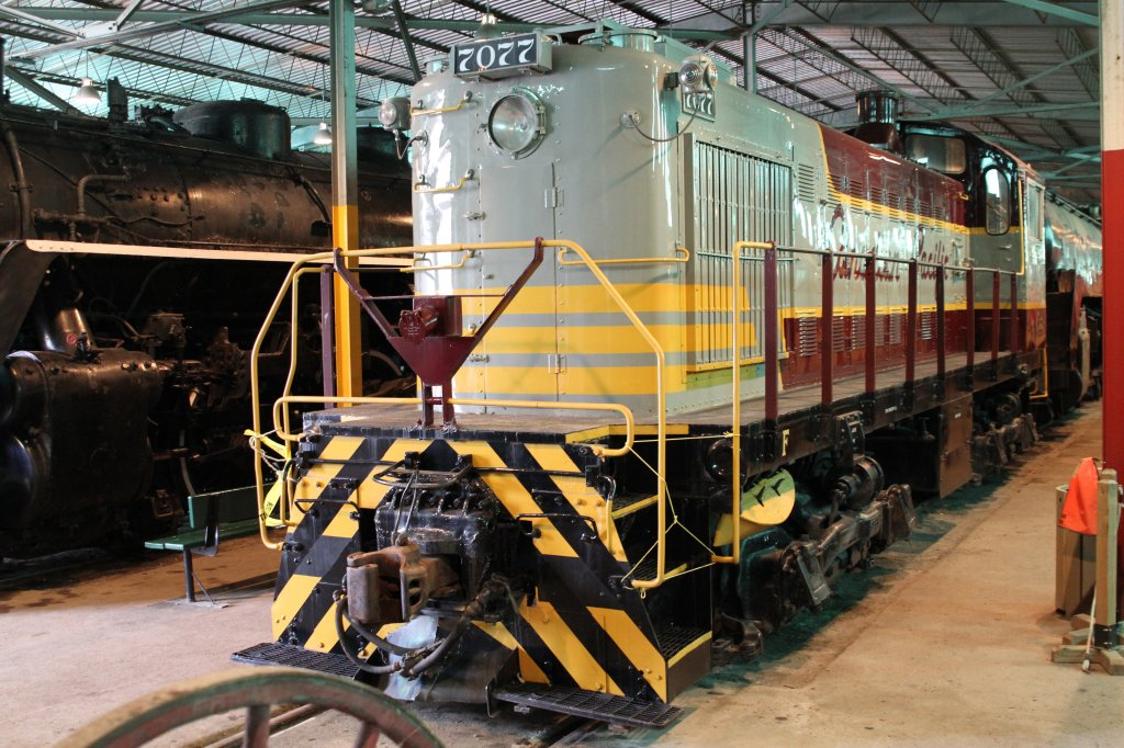Canadian Pacific diesel switcher 7077 was built 1948 from Monteral Locomotive Works. 16.9.2010 at Canadian Railway Museum in Delson,Qc.