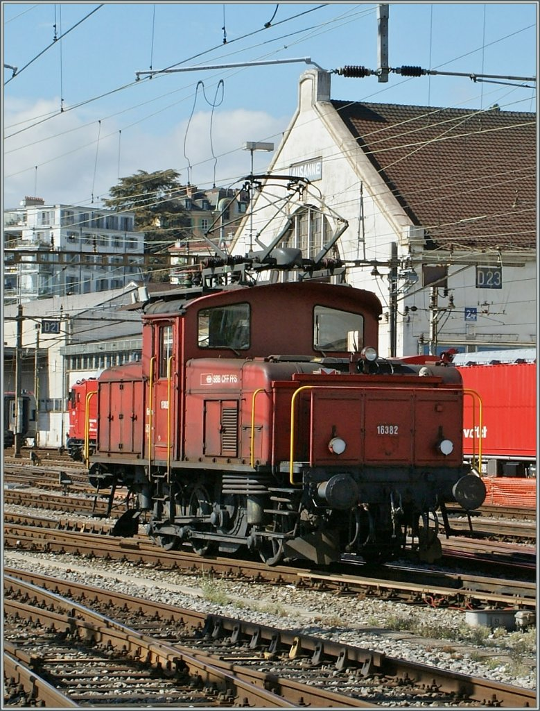 Ee 3/3 16382 in Lausanne.