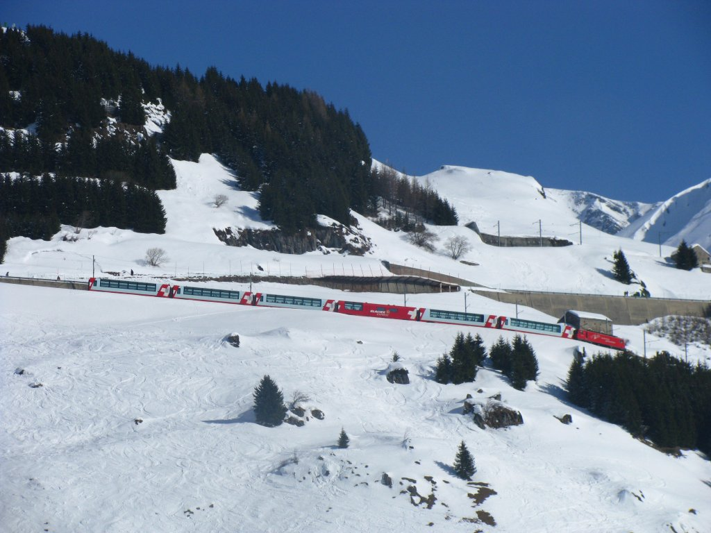 Glacier-Express 901 on the way from the Nätschen station down to Andermatt. (14 february 2010)