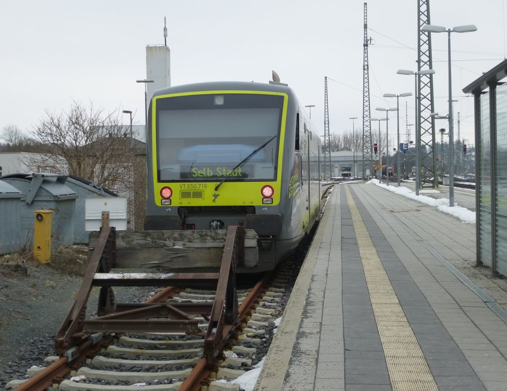 Here a lokal train to Selb Stadt ( VT 650.716 ) on March 22th 2013.
