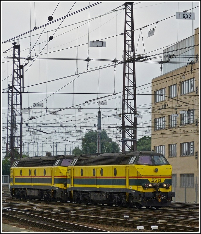 HLD 5511 and 5514 are running through the station Bruxelles Midi on June 25th, 2012.