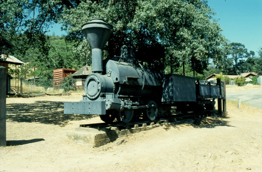 I did take the photo of this narrow gauge steam locomotive in the year 1998. The picture shows the  Whistling Billy , an 8 tons Porter Locomotive (0-4-0ST) once belonging to the Merced Gold Mining Co. in Coulterville / California and came to that place in 1897. (slide scanned)