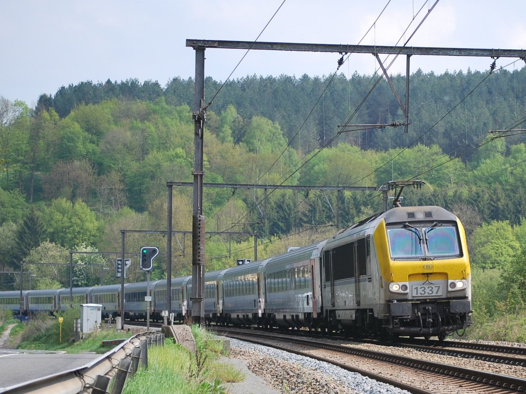 IC A train Eupen-Ostend running past Goffontaine in May 2010.