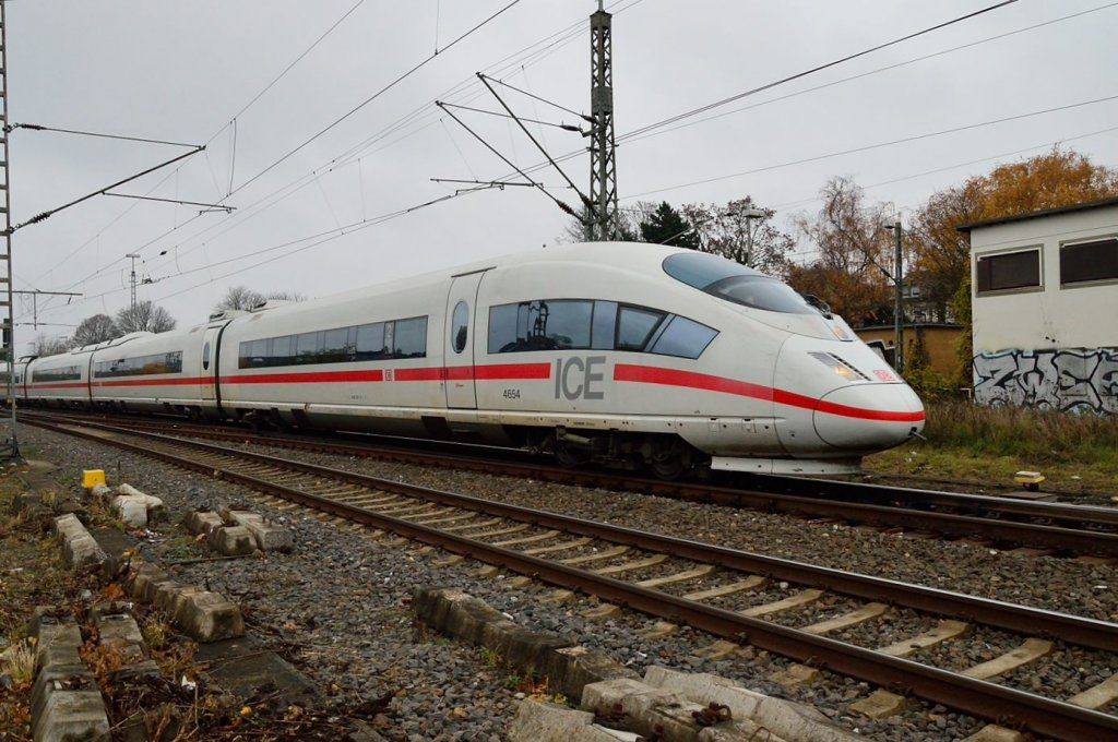ICE highspeedtrain on an divertroute to Cologne at Rheydt mainstation.24.11.2012