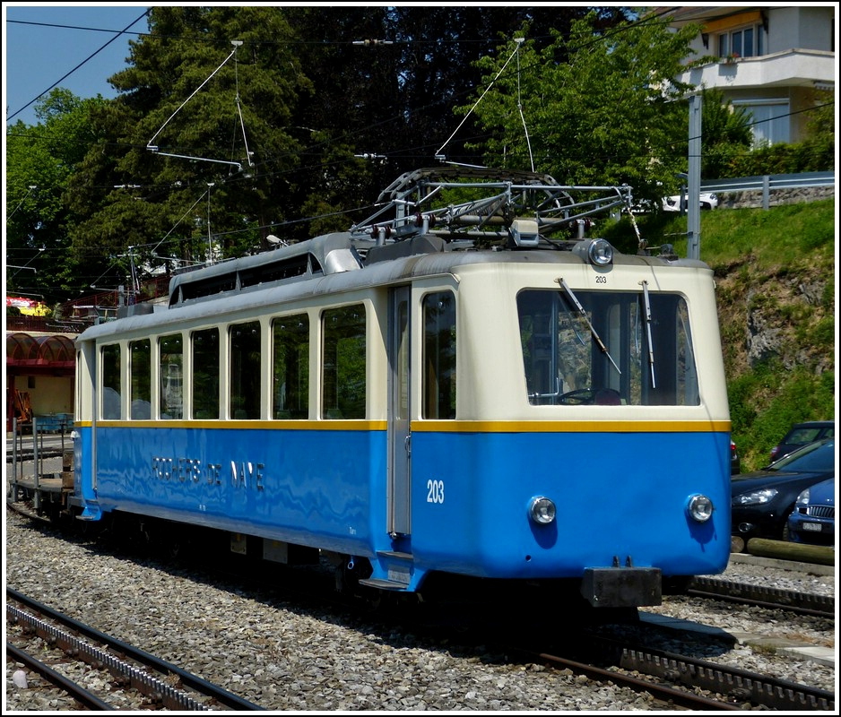 MGN Beh 2/4 N° 203 photographed in Glion on May 26th, 2012.