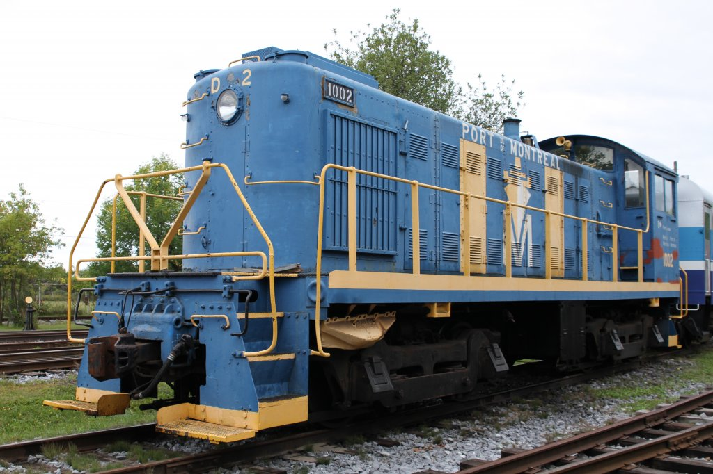 NHB (National Harbours Board) S-3 1002 operated in the port of Montreal and was built 1951 from Monteral Locomotive Works. 16.9.2010 at Canadian Railway Museum in Delson,Qc.