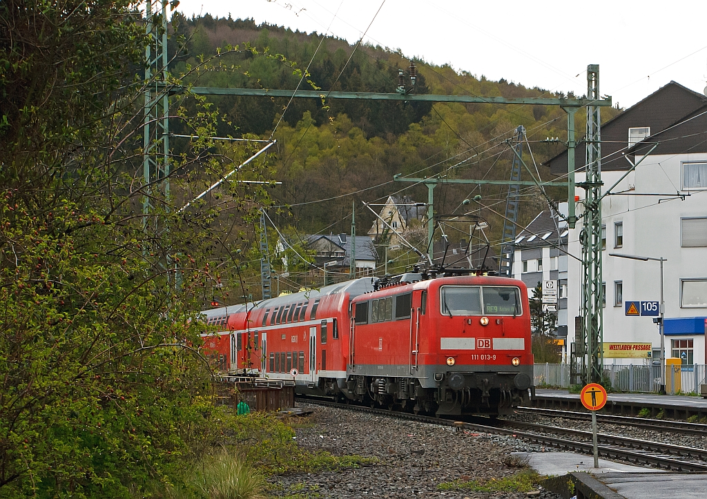 On the other cut to BB-image: 111 013-9 with the RE 9 (Rhein-Sieg-Express) Siegen-Cologne-Aachen, here on 24.04.2012 just before the entrance to the station Betzdorf/Sieg.