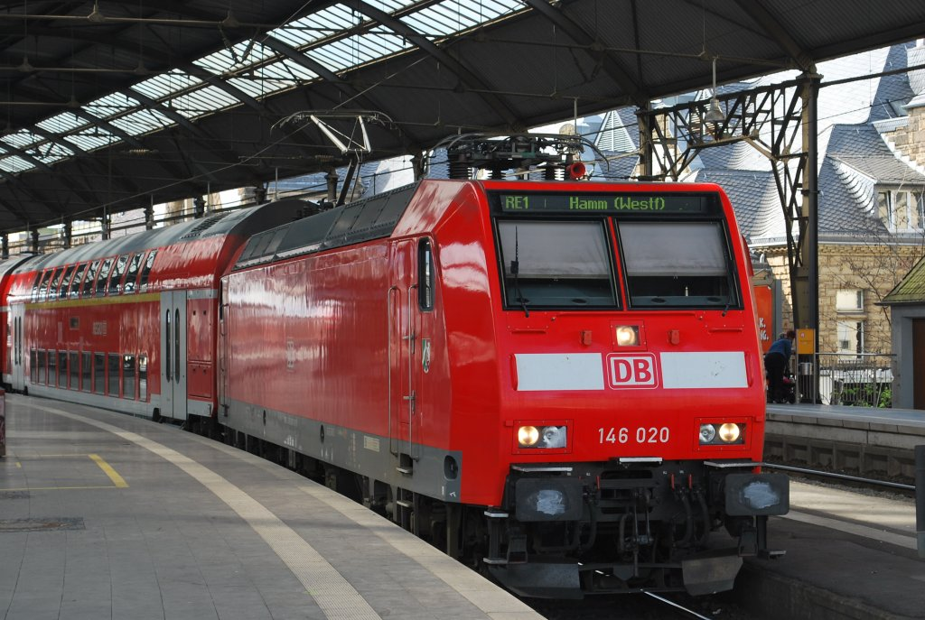 RE 1 towards Hamm waiting for departure at Aachen Central Station (Hbf) on 11 April 2012.