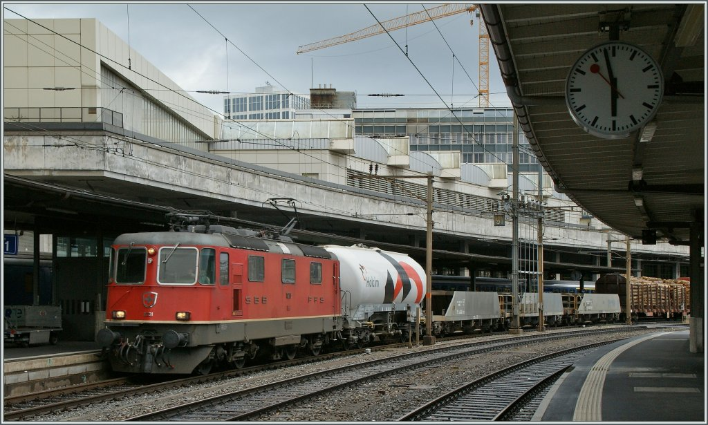 Re 4/4 II - Festival in Lausanne : The SBB Re4/4 II 11231 with a Cargo Train.