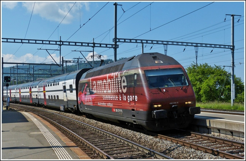 Re 460 094-6 is arriving in Palézieux on May 28th, 2012.
