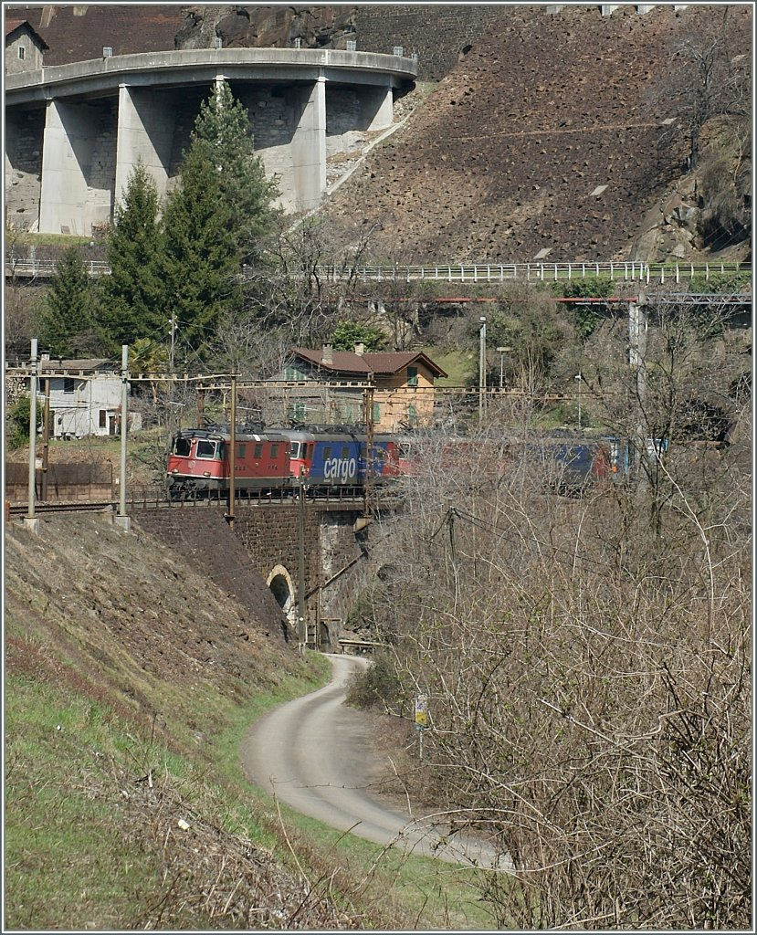SBB Re 4/4 and Re 6/6 with a Cargo train in the Biaschina by Giornico. 03.04.2013