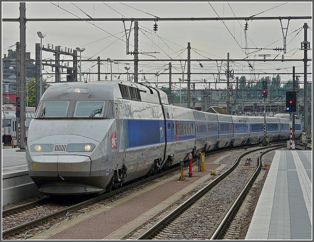 TGV Atlantique/Réseau is arriving at the station of Luxembourg City on August 17th, 2008.