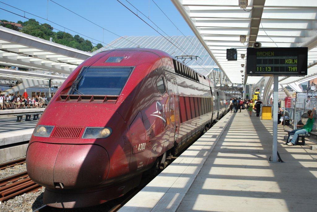 Thalys PBKA 4303 calling at Liège-Guillemins on its way to Cologne. At that time (1st July 2008) the new Calatrava building was not completed.