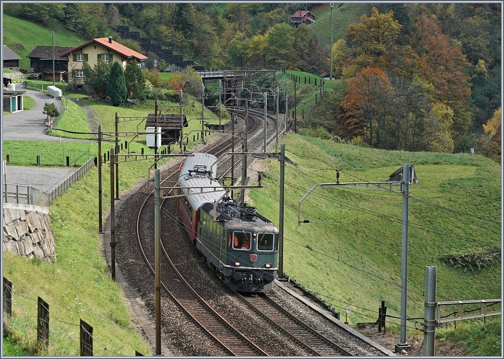 The BB Re 4/4 ii 11161 by Intschi.