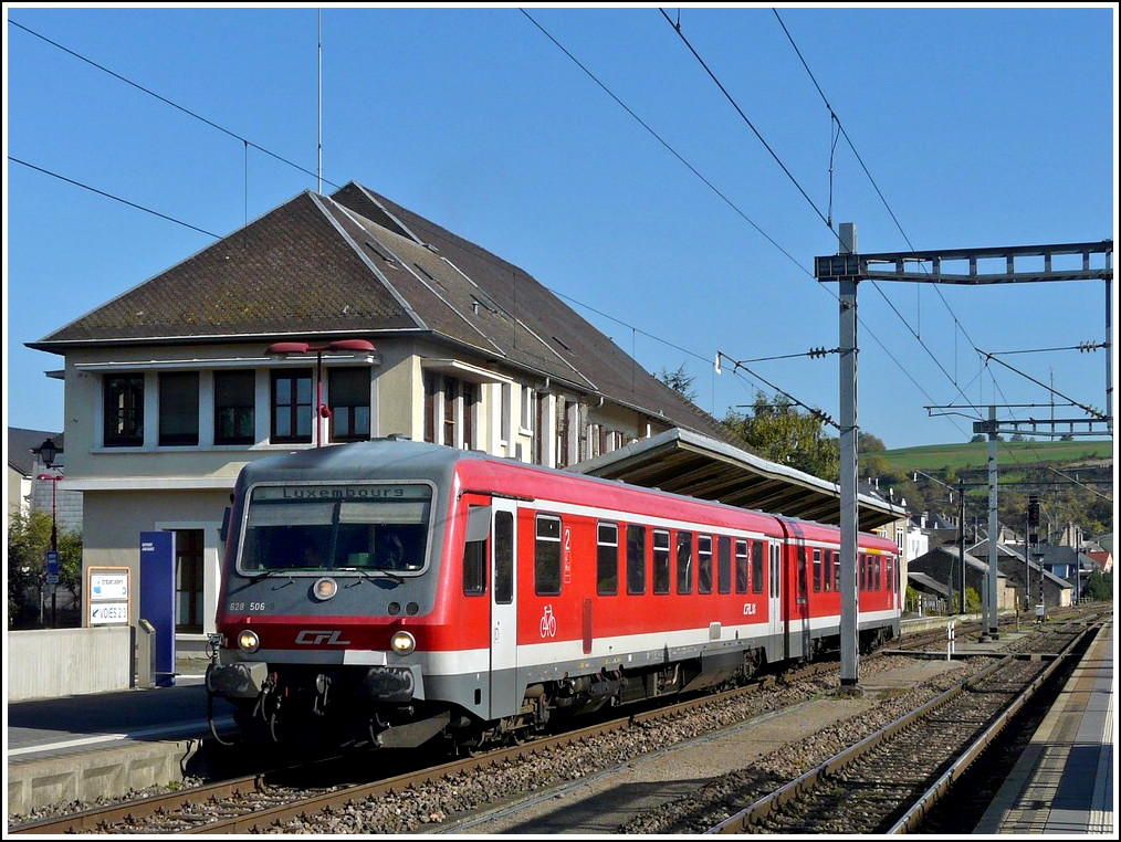 The CFL 628 506 is leaving the station of Wasserbillig on October 16th, 2011.