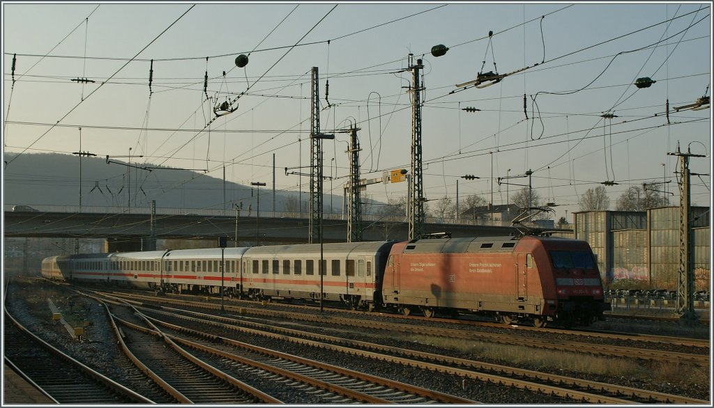 The DB 101 005-6 with an IC in Heidelberg.