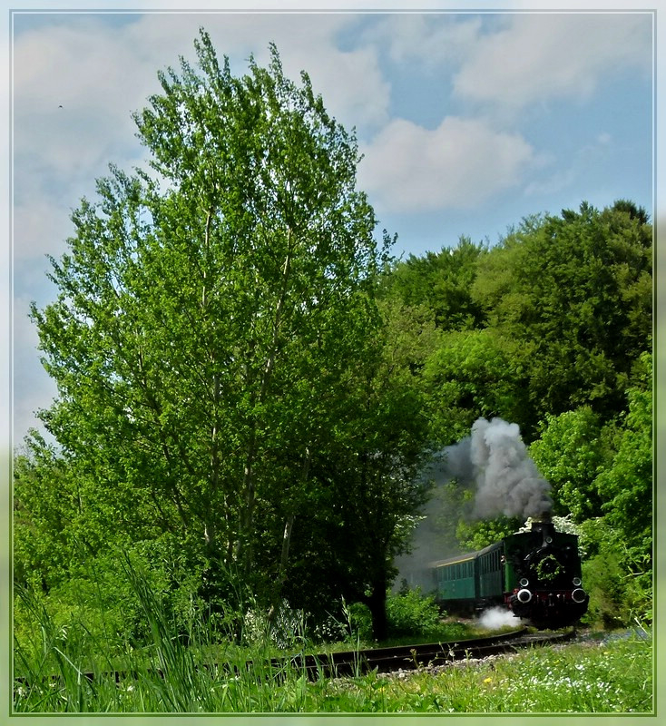 The first steamtrain of the season 2011 is running between Pétange and Fuussbësch on the track of the heritage railway Train 1900 on May 1st, 2011.