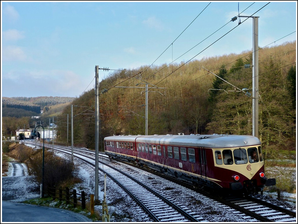 The heritage Westwaggon 208/218 is running through Drauffelt on December 17th, 2011.