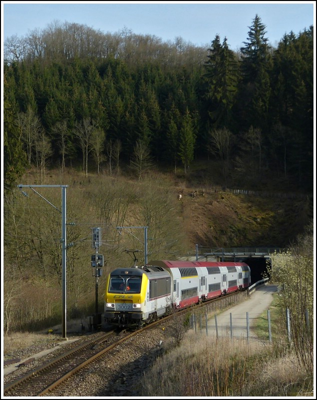 The IR 3816 Luxembourg City - Gouvy is running through Lellingen on March 27th, 2012.