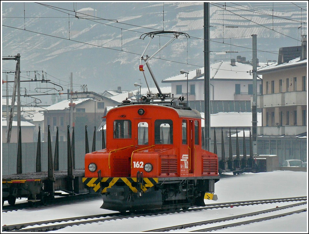 The little RhB shunter engine Ge 2/2 162 pictured in Tirano on December 24th, 2009.